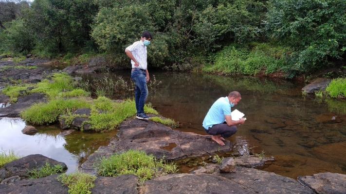 जलशास्त्रज्ञांकडून कळसाची पाहणी