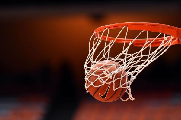 बास्केटबॉल बॉल हँडलिंग चॅलेंज